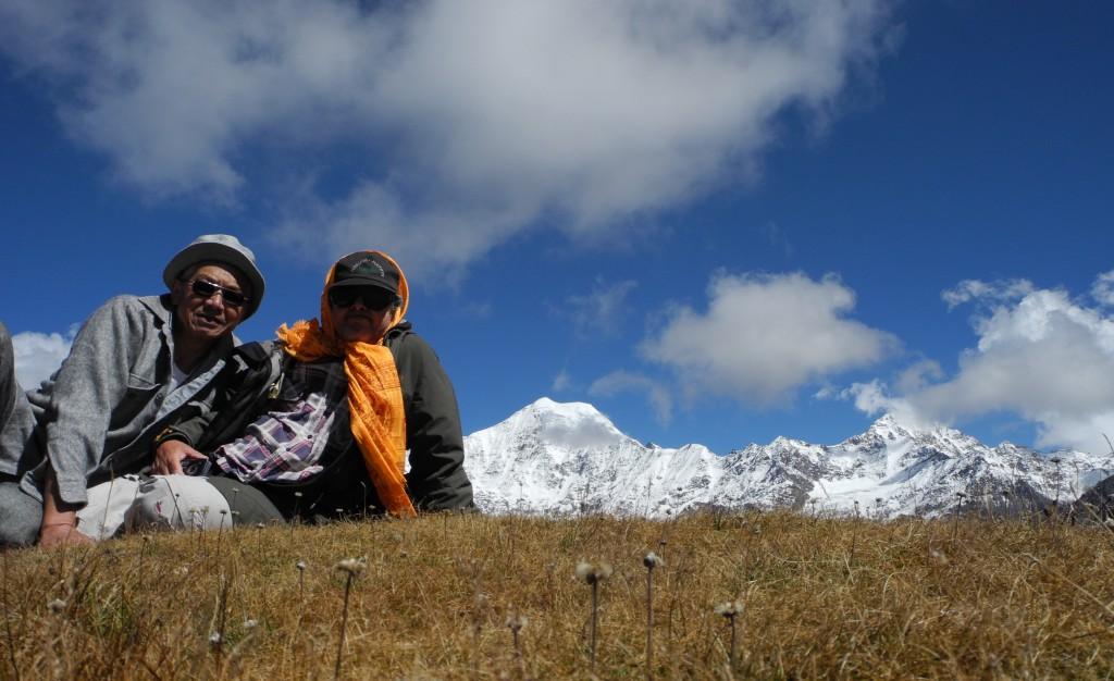 同行の友人と、本トレッキング最高地点(約5000m)スナップショット。
