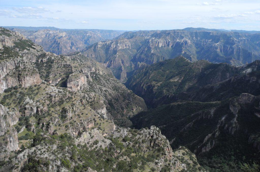 標高2400メートル